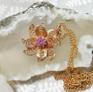 Sarah Coventry Vintage Flower Necklace